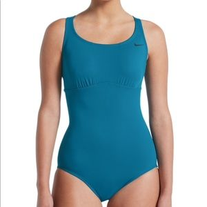 Brand new with tags women's Nike swimsuit. Sz XL